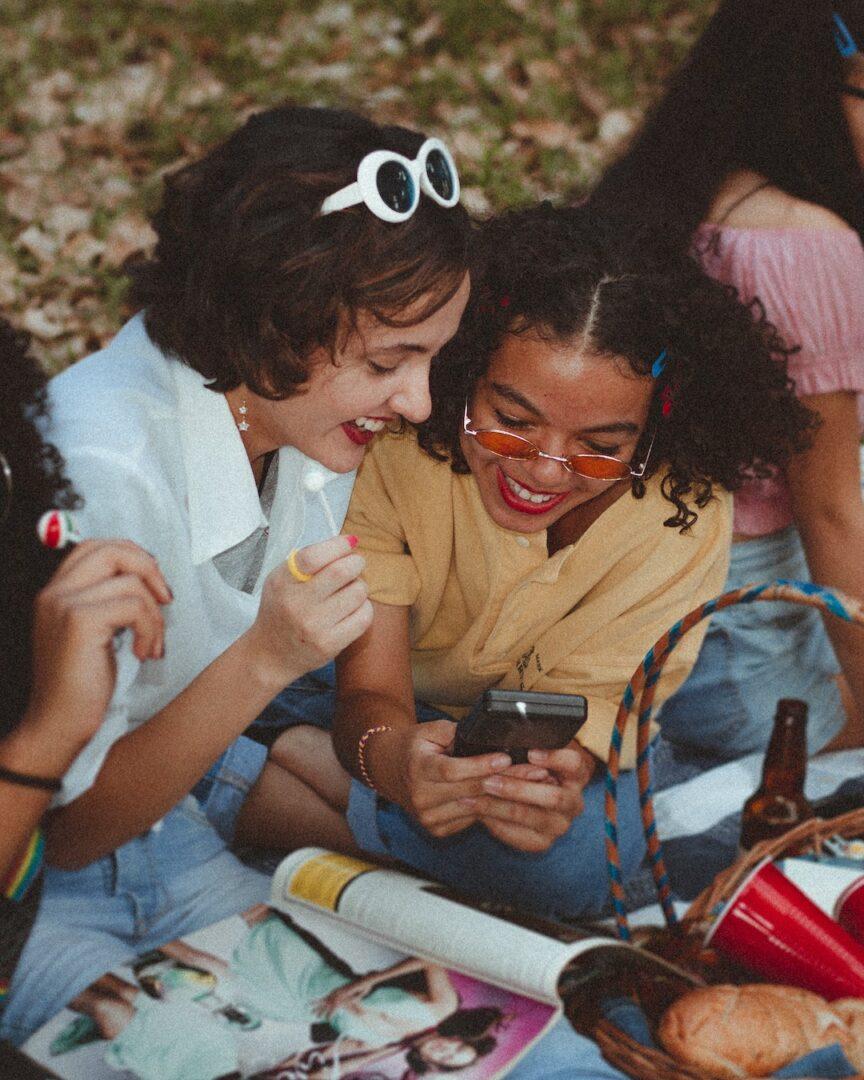 YuTU - Summer with Friends.- aline-viana-prado